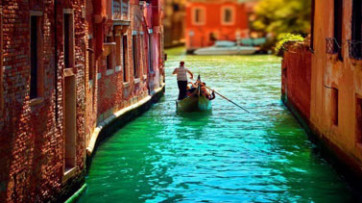 italia-venetia-boat-th