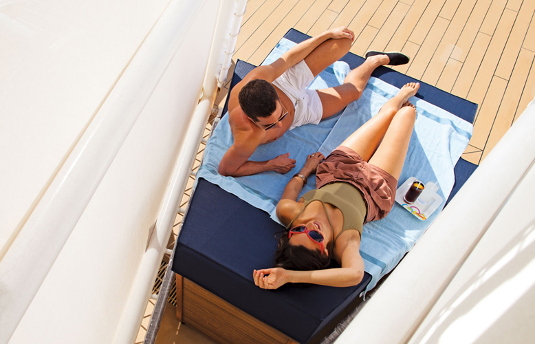 couple-on-deck
